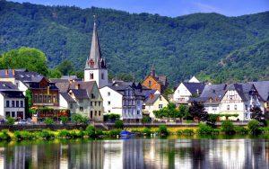 Октоберфест, баварские сосиски, море пива - Германия встречай нас